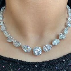 Classic Round & Pear Cut Necklace