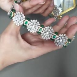 Flower Design Green Bracelet and Choker