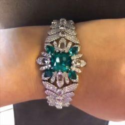 Flower Design Luxury Green Bracelet