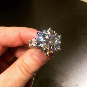 Unique Six-Prong Round Cut Engagement Ring